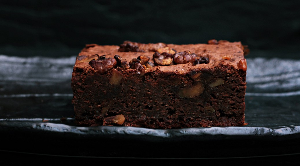 Avocado Walnuss Brownie